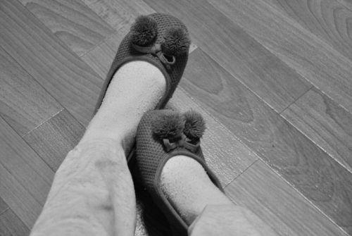 de ce mă mâncă picioarele noaptea