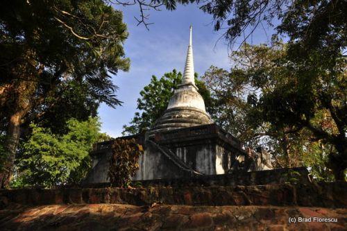 Chedi-ul de la Wat Thai Yo