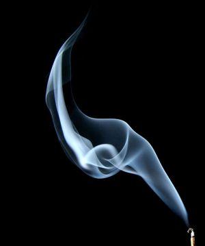 Cât de dăunător e fumatul la mâna a treia