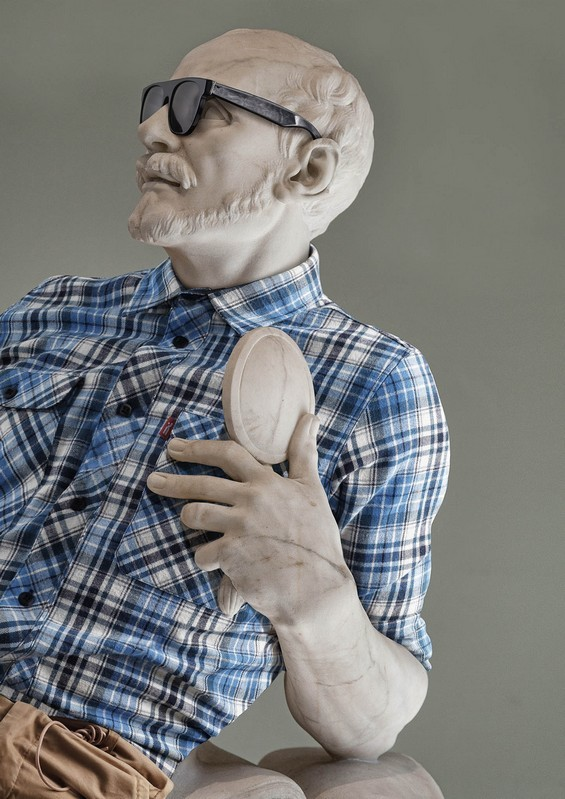 classical-sculptures-hipsters-4