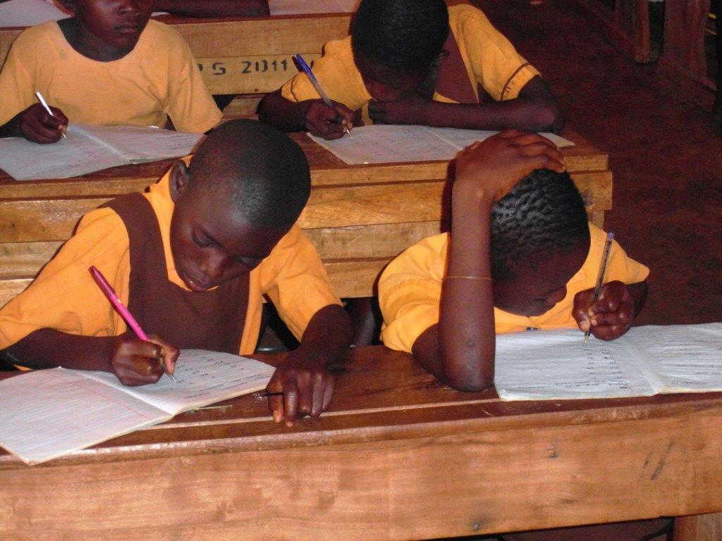 Copii la scoala