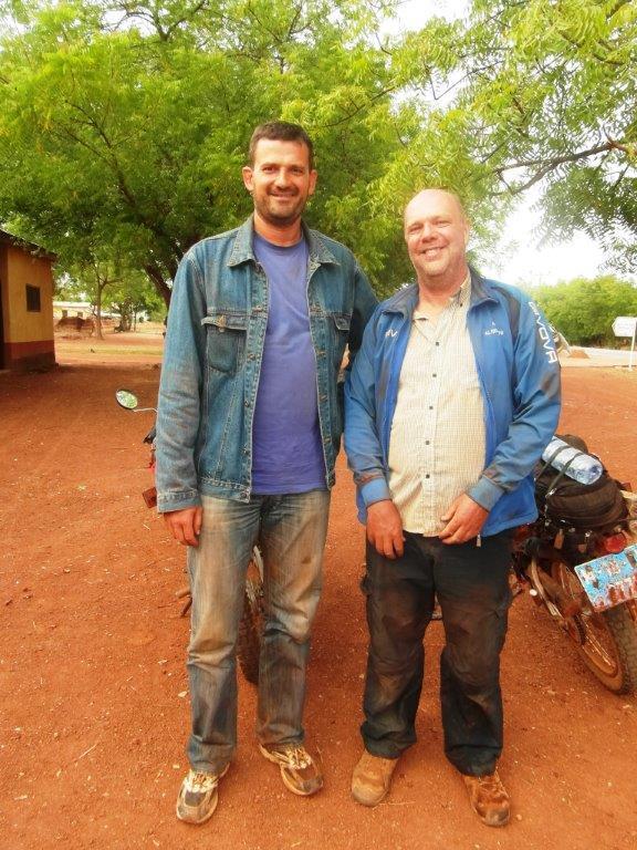 Eu si Nique, un prieten cu care am facut 100 de km pe motociclete intr-o saptamana