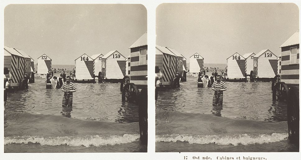 Stereoscopic photography showing swimmers in Ostend