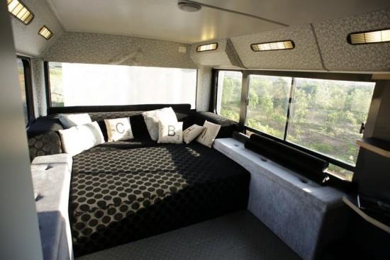 Bus-Home6-550x367