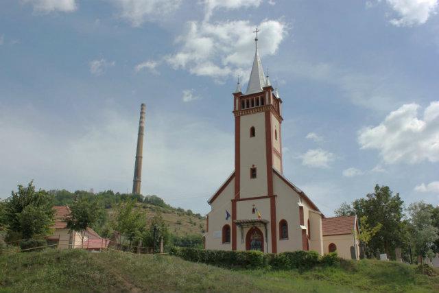 03 - biserica exterior