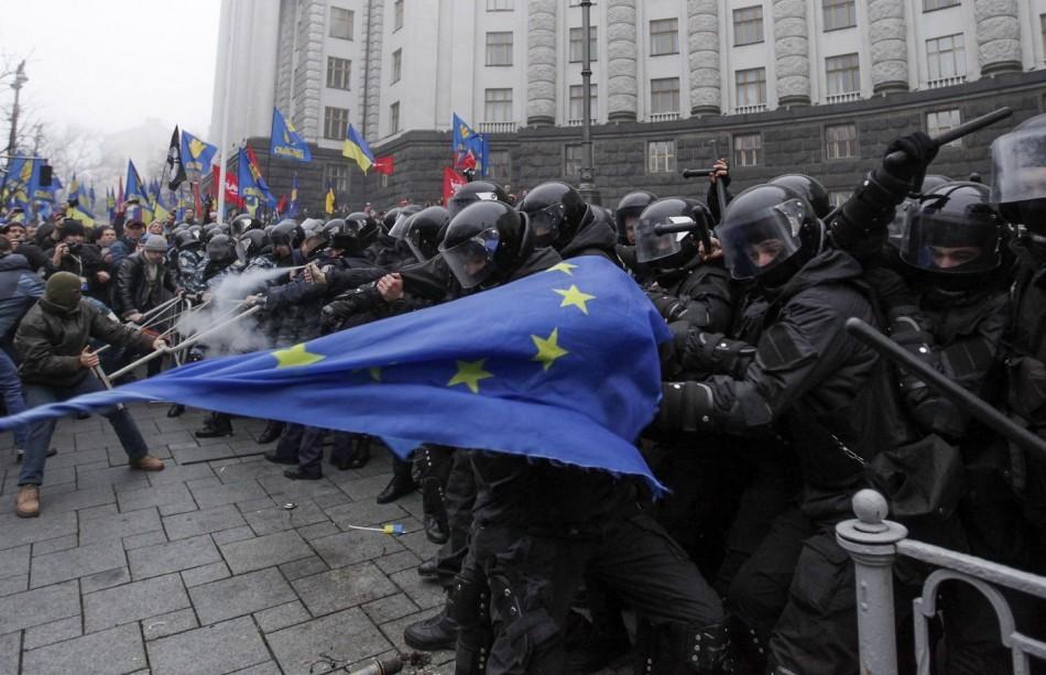 431313-ukraine-eu-demonstration