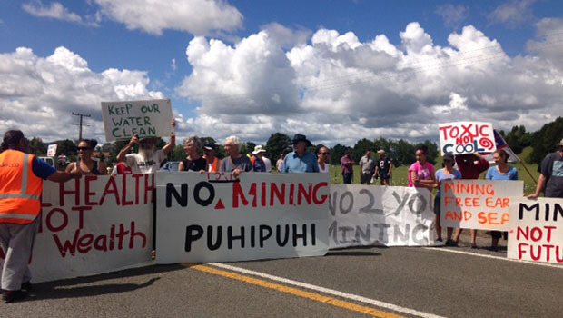 Anti-mining-protestors-against-De-Grey-mining-in-Northland--Puhipuhi--Carla-Penman