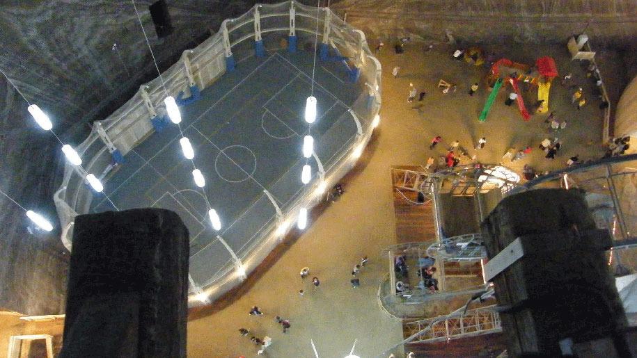 underground-museum-turda-salt-mine-romania-1