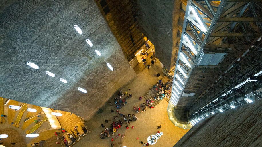 underground-museum-turda-salt-mine-romania-2