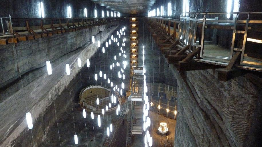 underground-museum-turda-salt-mine-romania-8