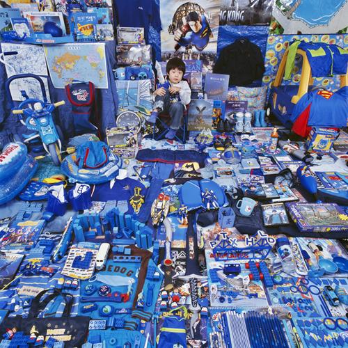 Seunghyuk and His Blue Things_m