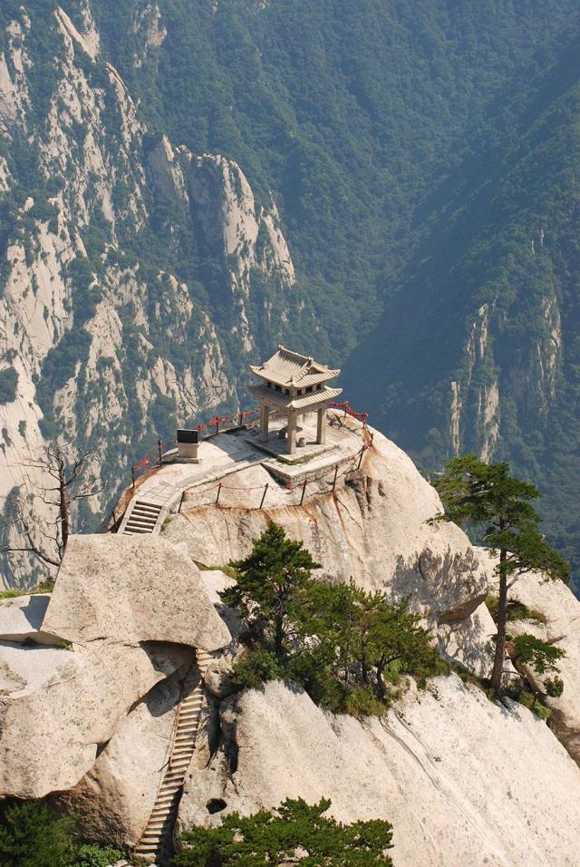 hiking-trail-huashan-mountain-china-14