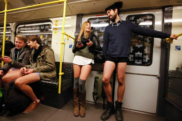 pants-subway-ride-berlin (2)