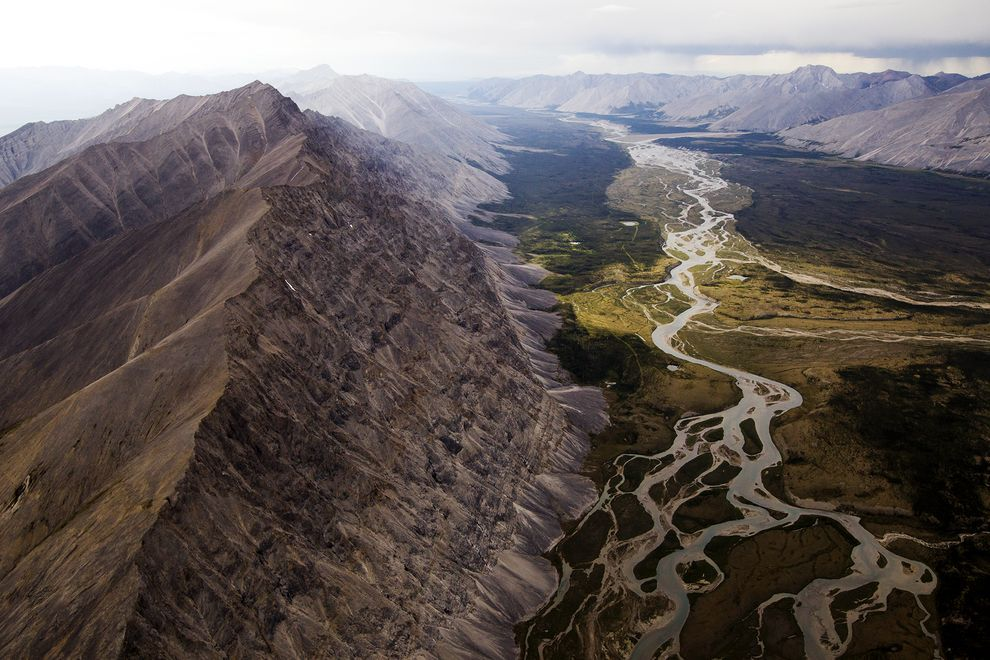 peel-river-watershed-mining-01_75836_990x742