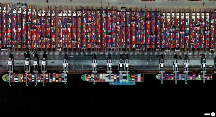 3026174-slide-port-of-rotterdam