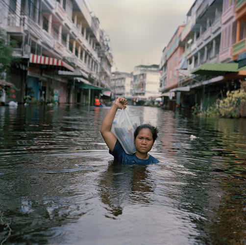 3029980-slide-s-1-gideon-mendel-puts-a-human-face-on-devastating-floods-with-drowning-world