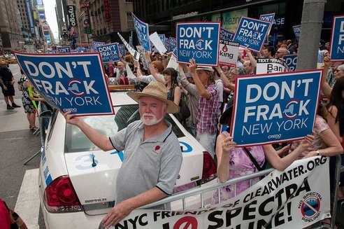 20120907-anti-fracking-protest-new-york.jpg.492x0_q85_crop-smart