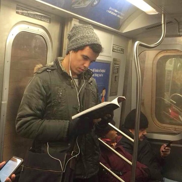 hot-dudes-reading-books-instagram-10-605x605