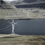 FOTO Stâlpii de electricitate din Islanda, transformaţi în uriaşe statui ..