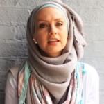 O musulmană donează câte un dolar pentru fiecare tweet plin ..