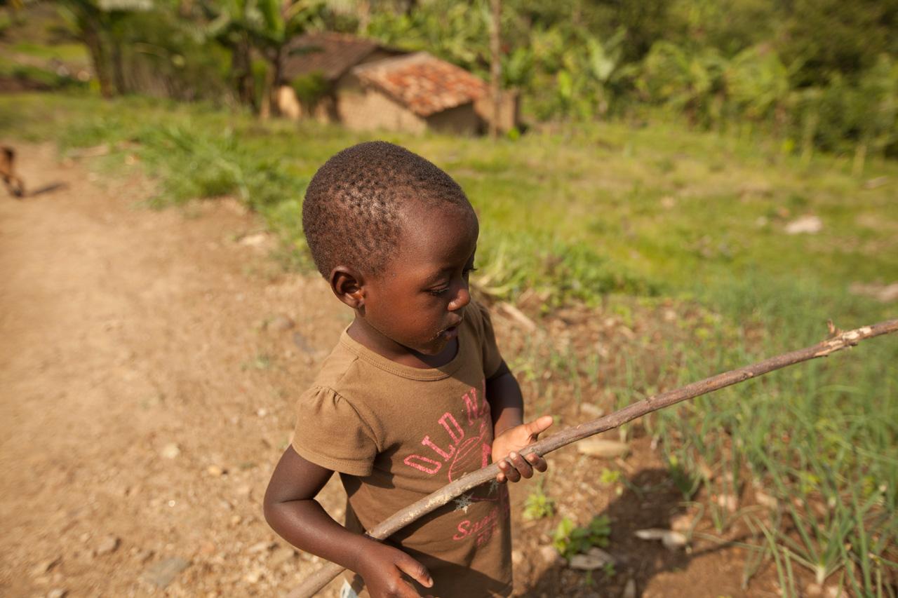 Jucărie a unui copil din Rwanda