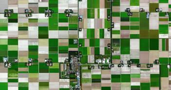 52°4327N 5°3839E. Satul olandez Espel are 774 de locuitori și este specializat în cultivarea bulbilor de flori