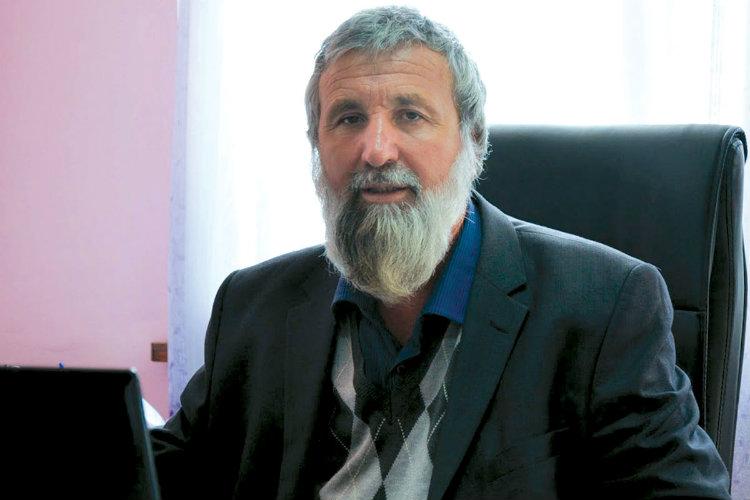 Abdullah Salih, muftiul regiunii Pazargic, în biroul său din orașul Velingrad, pe 11 iunie 2015. Foto: Zornitsa Stoilova