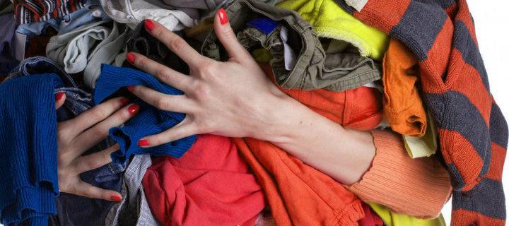 pantofi exclusivi murdărie ieftine vânzare la cald Primul container din București pentru reciclarea hainelor ce vor fi donate  în scop umanitar